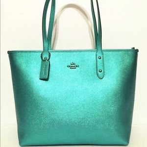 Authentic COACH Crossgrain Leather City Tote